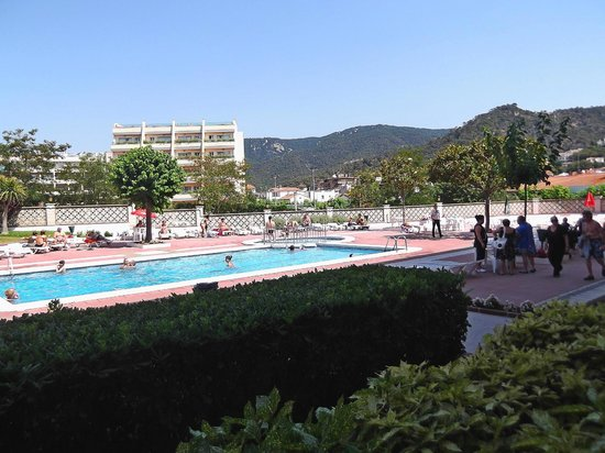 Hotel Continental: Бассейн отеля Континенталь