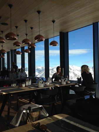 Sölden, Austria: Restaurant IceQ Innen