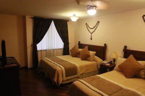 Hotel Patio Andaluz: Номер