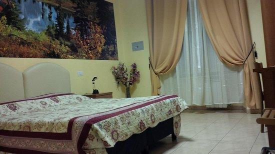 Hotel Maikol Rome: chambre