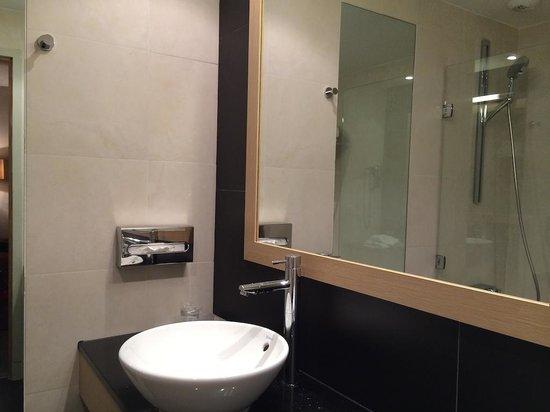 Chateau de Villiers le Mahieu: Salle de bain