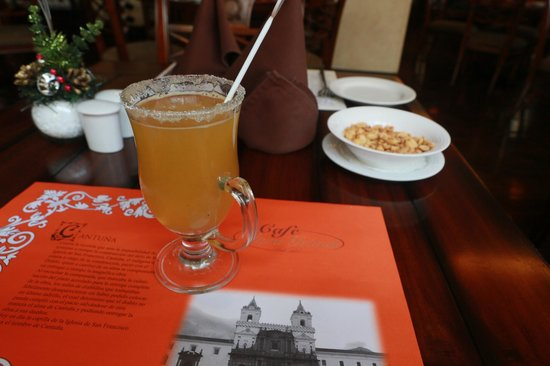 Cafe Plaza Grande : Что-то вкусное и горячее