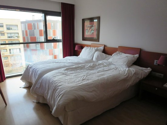 Four Points by Sheraton Barcelona Diagonal: Room - pic 1