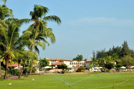 Kenilworth Resort & Spa: Lawn Area