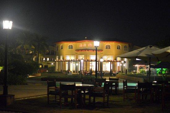 Kenilworth Resort & Spa: Night view