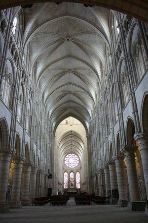Cathédrale Notre-Dame de Laon : Binnenkant Kathedraal
