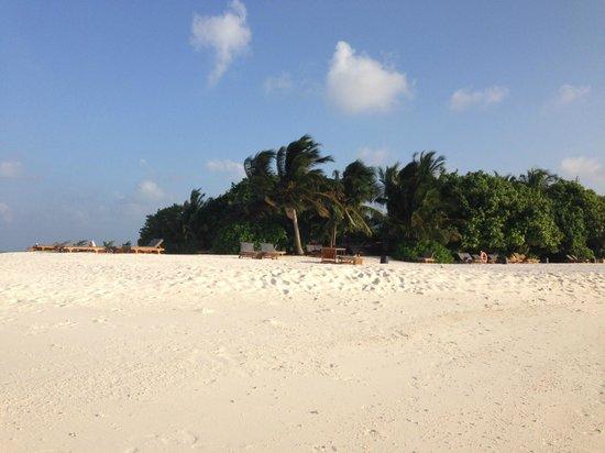 Adaaran Prestige Vadoo : Почти безлюдный пляж