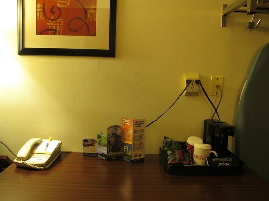 Days Inn Fort Collins: coffee maker