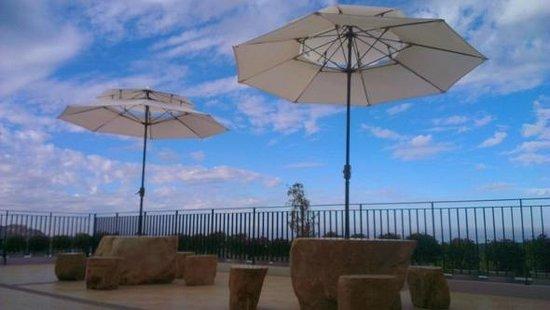 Natural View Hotel: 公共大露台