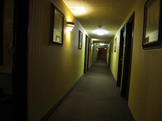 Days Inn Fort Collins : corridor