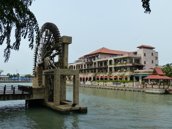 Casa del Rio Melaka: View of the hotel from river