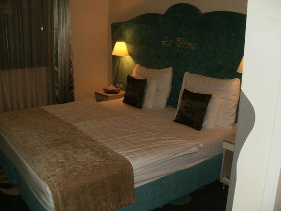 La Prima Fashion Hotel: Bed