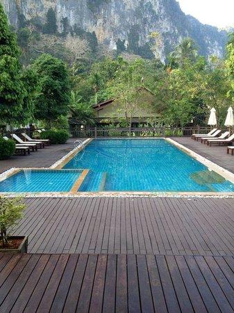 Aonang Phu Petra Resort, Krabi : piscina