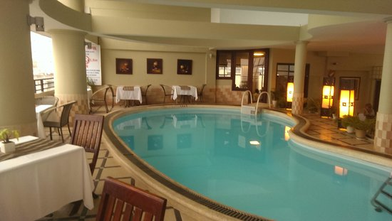 Asia Hotel: unheated swimming pool in bar area