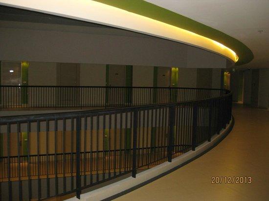 Millennium Resort Patong Phuket : hotellkorridoren