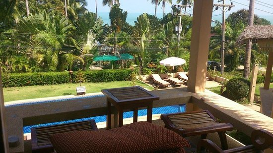 Khanom Hill Resort : Area to relax outside room