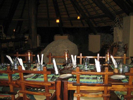 Huab Lodge: Gedeckt zum Abendessen