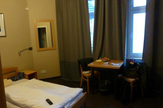 Acama Schöneberg Hotel+Hostel: Zimmer 208