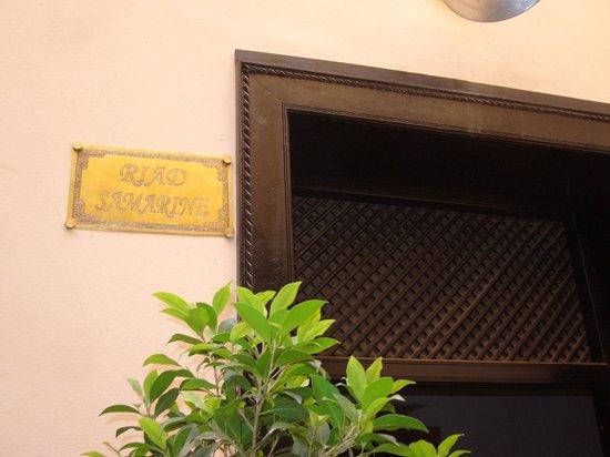 Riad Samarine: Puerta de entrada del riad