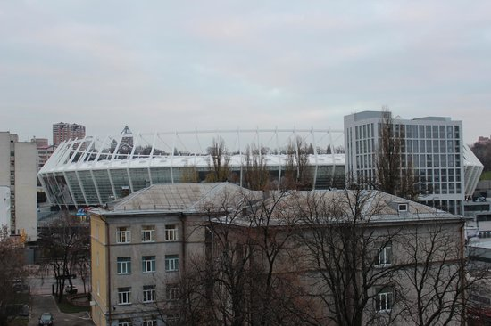Dream Story Hostel: Вид из окна на НСК Олимпийский / View from the window to the Olympic stadium