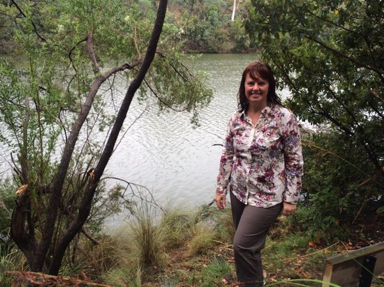 Launceston Bed and Breakfast Retreat: Easy stroll to the river front. Peaceful bird sounds