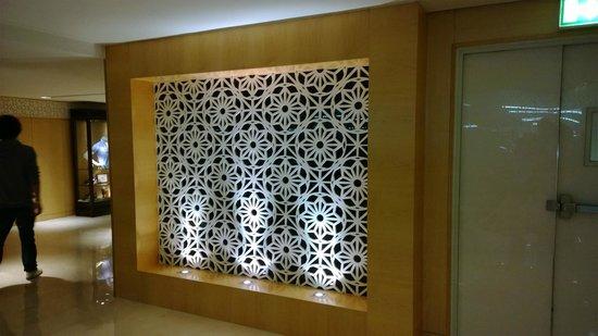 Address Dubai Mall: Entrance from Dubai Mall