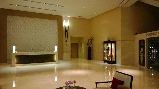 Address Dubai Mall: Waiting area/lounge