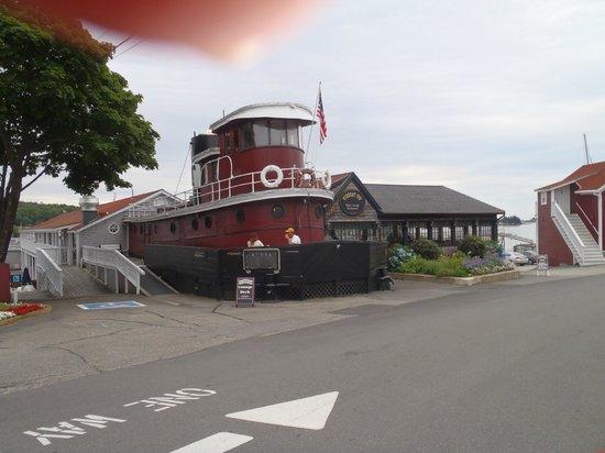 Tugboat Inn Restaurant: Excellent everything!