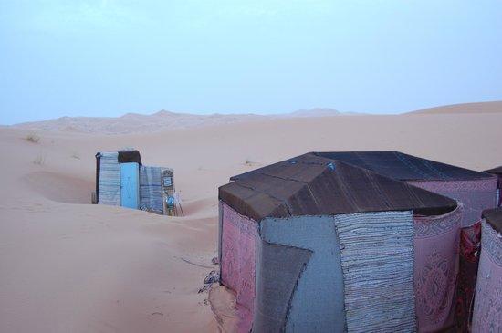 Hotel Kasbah Mohayut: Desert bathroom