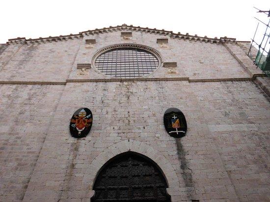 Cathedral (Duomo di Gubbio): Facciata esterna