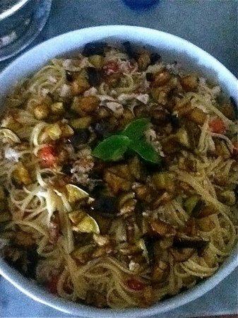 Agriturismo Al Begarino: Spaghetti melanzane e pesce spada