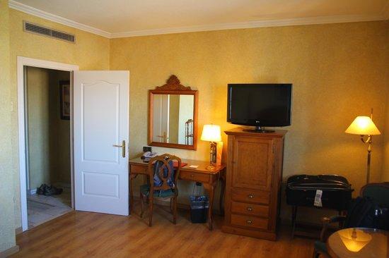 Salles Hotel Ciutat del Prat : Room1