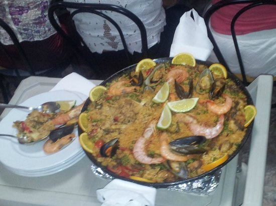 Casa Mary: Paella