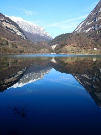 Acetaia del Balsamico Trentino Bed & Breakfast : Lago di tenno