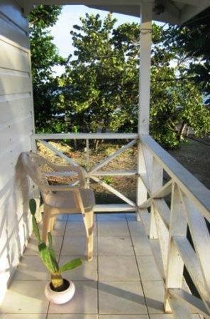 Mi Yard Resort: Upstairs Veranda