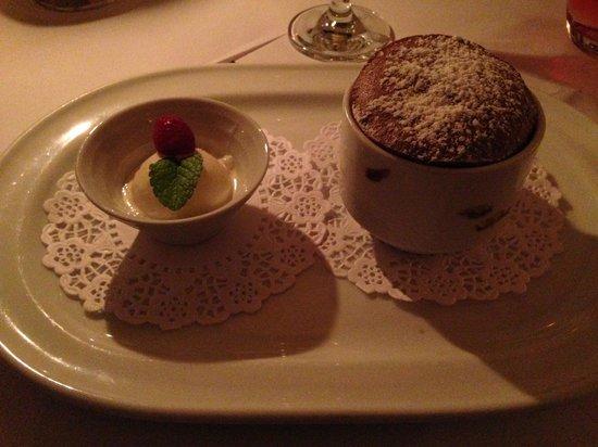 Brasserie Degas: molten chocolate cake