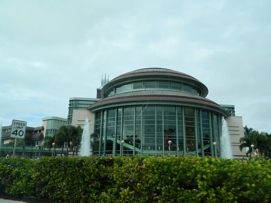 Kravis Center for the Performing Arts: Theatre at daytime