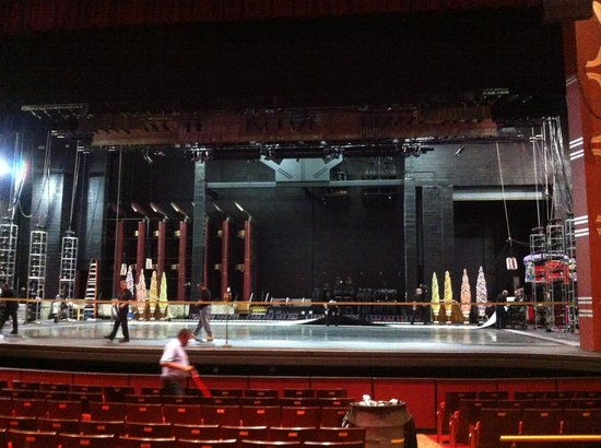 Kravis Center for the Performing Arts: Stage at the end of the performance
