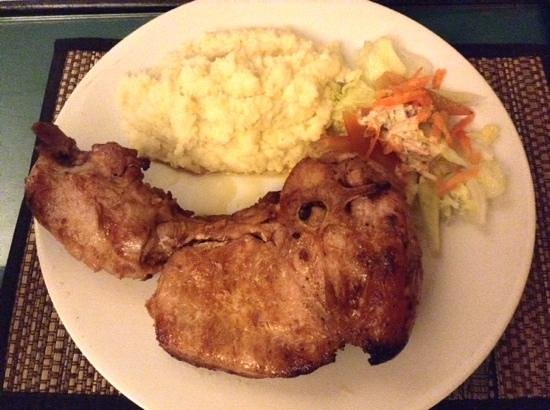 Ya Udah Bistro : pork ribs