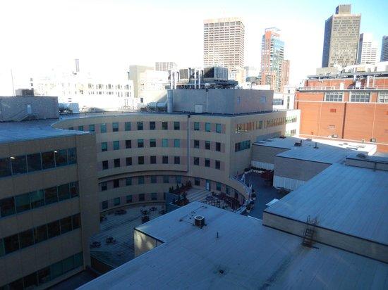 Hyatt Regency Boston: Vue du 9ème étage, sur la terrasse ( a profiter l'été )