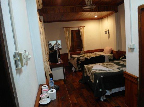 Villa Kingkham Riverside : How the room looks like