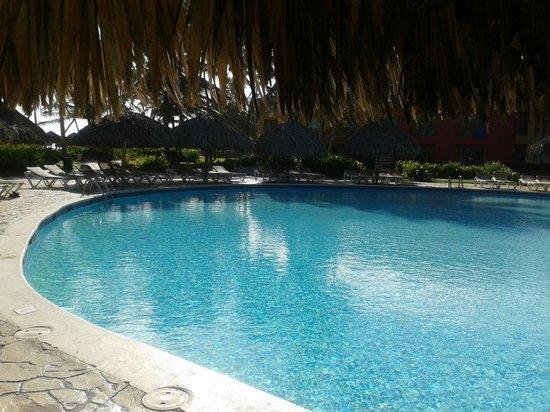 Tropical Princess Beach Resort & Spa: piscine
