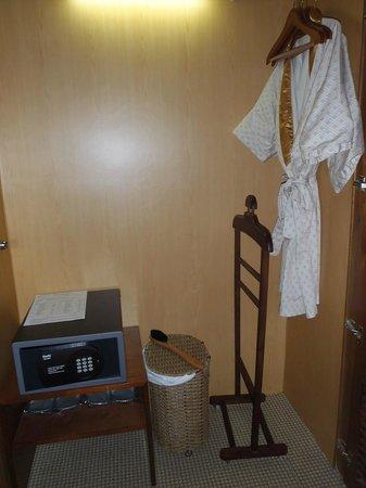 Bong Sen Hotel Saigon : Bedroom