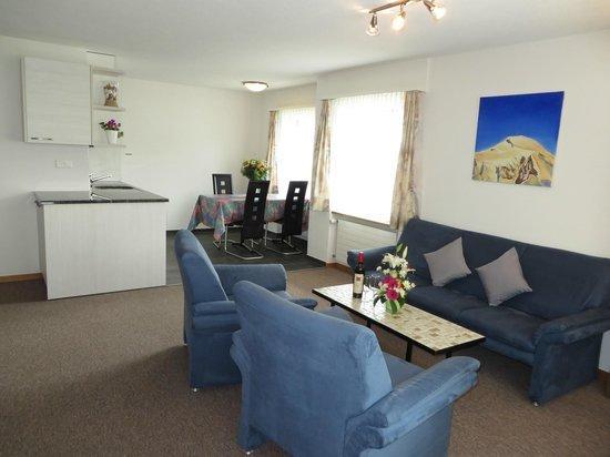 Apartment Azur: Wohnzimmer 2 Zimmer