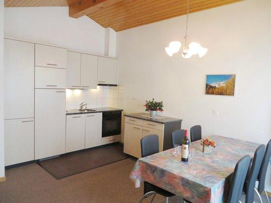 Apartment Azur: Esszimmmer Küche