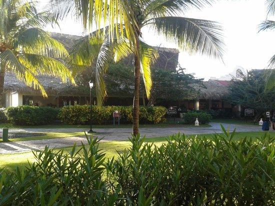 Tropical Princess Beach Resort & Spa: restaurant