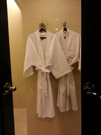 Dusit Thani Pattaya: bathroom
