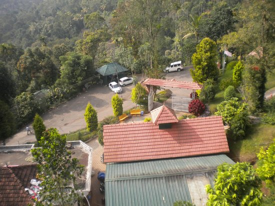 Birds Valley Resorts Munnar: View from honeymoon suite