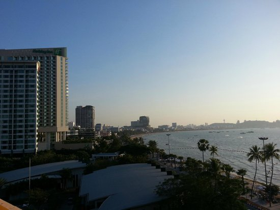 Dusit Thani Pattaya: pattaya city view