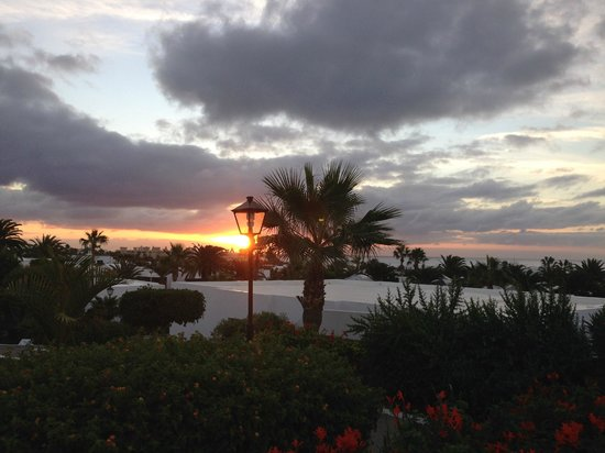 Costa Sal Villas and Suites : View from our villa (sunset)